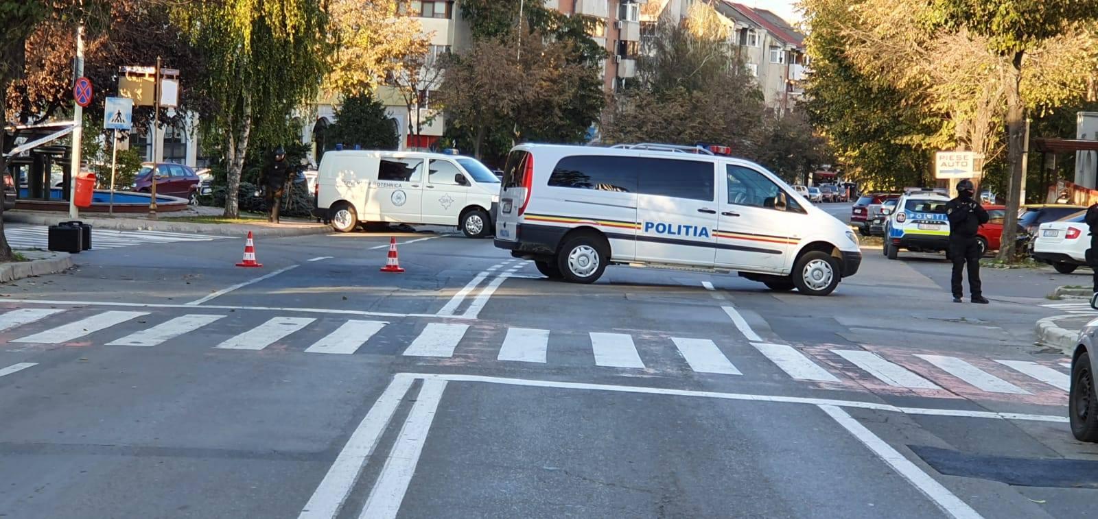 Un colet suspect pe strada Babadag din municipiu.