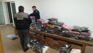 Bunuri susceptibile a fi contrafăcute în valoare de peste 77.000 lei, confiscate de poliţiştii de frontieră de la P.T.F. Vama Veche