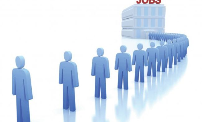 Modificare oficială la Codul muncii: Șomajul tehnic, acoperit din banii statului de fiecare dată când e stare de urgență sau de asediu
