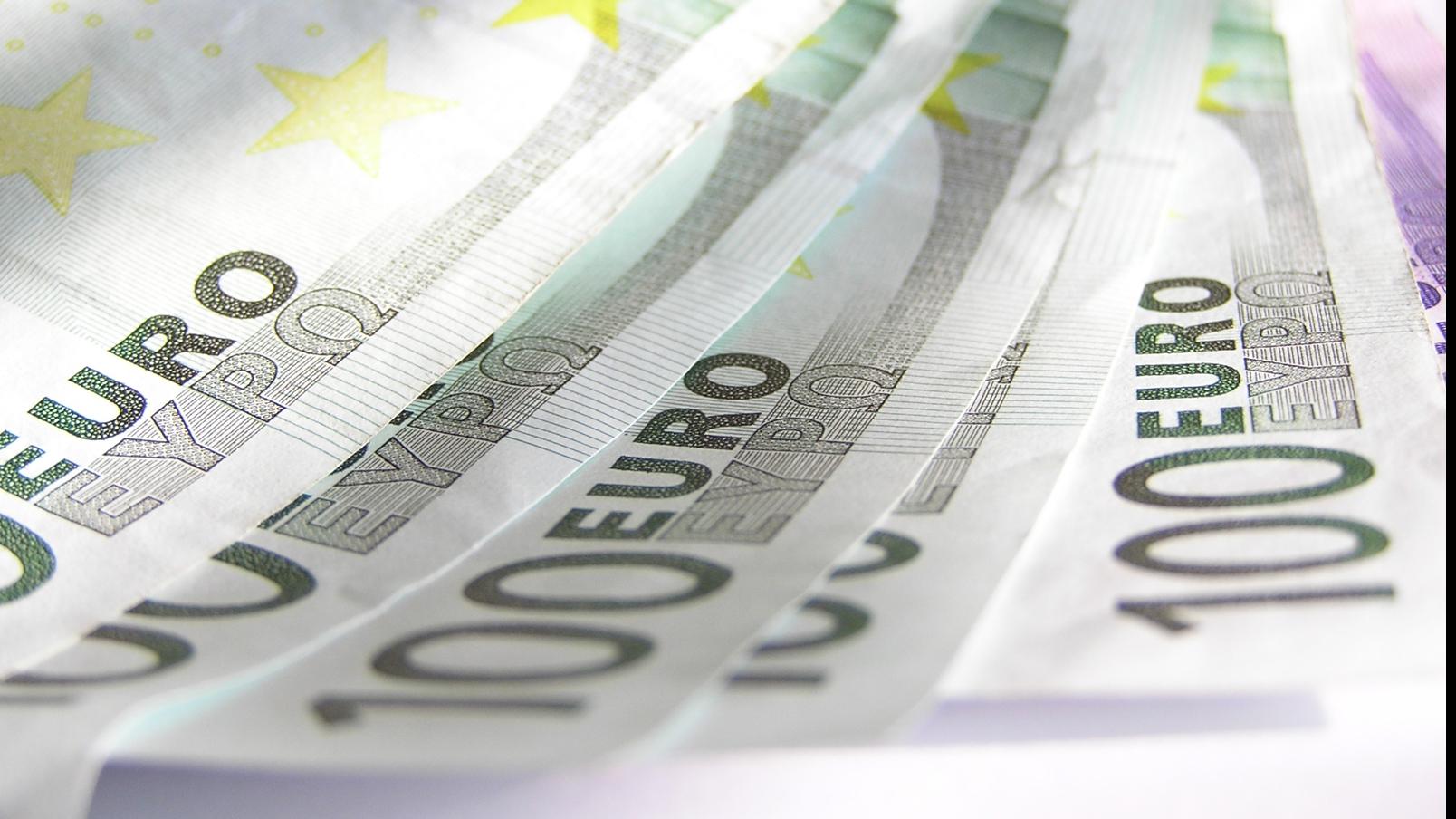 500 de euro pentru educație – o nouă amânare