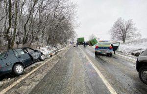 Două persoane rănite într-un accident rutier