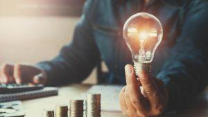 Clienţii casnici vor putea semna contracte pe piaţa concurenţială până la sfârșitul lunii iunie