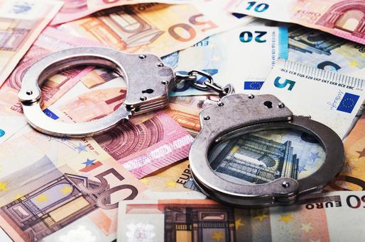 26 de amenzi date pentru evaziune fiscală