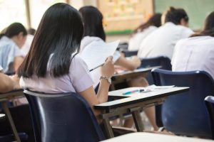 Mai puțini elevi în clasele de început de ciclu liceal