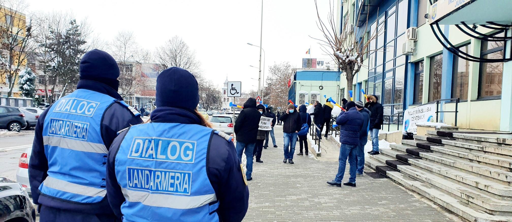 Polițiștii protestează
