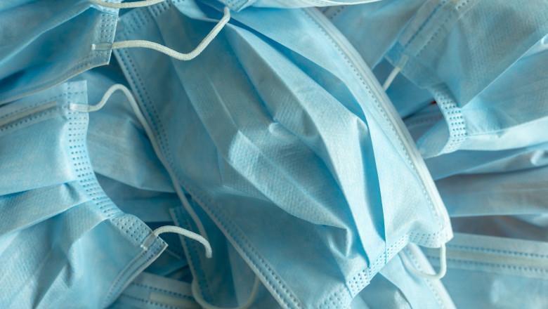 Masca de protecție este obligatorie în toate școlile