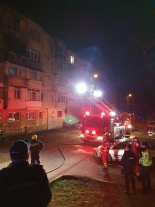 Incendiu la etajul 3 al unui bloc din cartierul Dalas