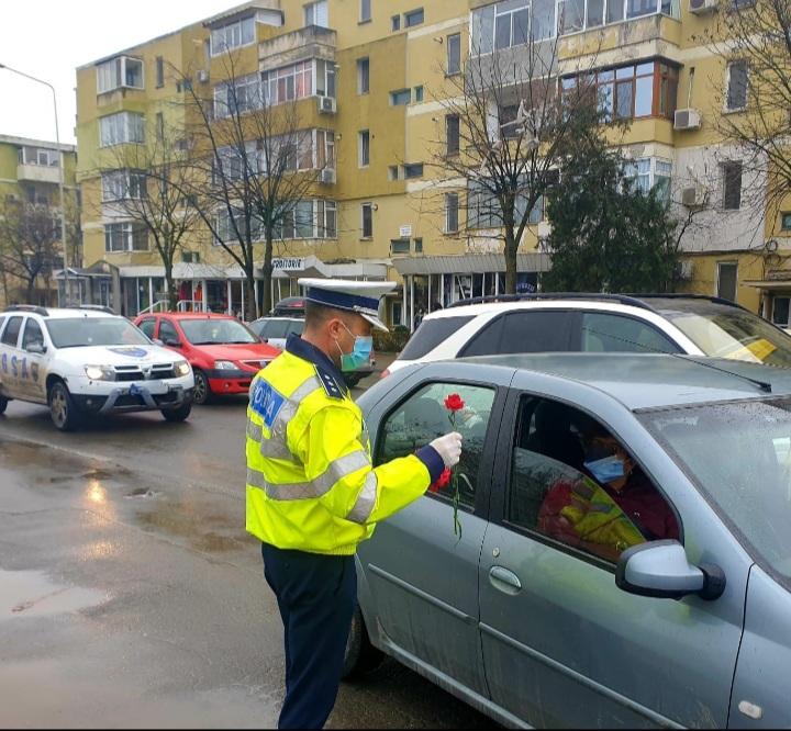 Doamne și domnișoare din Tulcea oprite de polițiștii tulceni