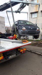 Tulcenii sfătuiți să anunțe unde sunt mașini abandonate