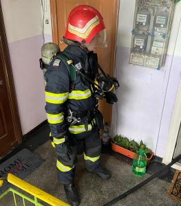 Incendiu la etajul unu al unui bloc din municipiu