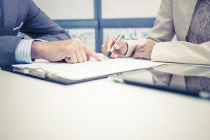 Angajatorii vor trebui să dea mai multe informații salariaților, iar perioada de probă ar putea fi majorată