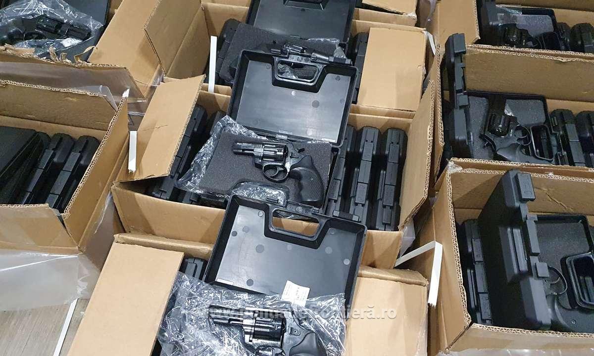 Peste 2.800 de pistoale, depistate în PTF Isaccea
