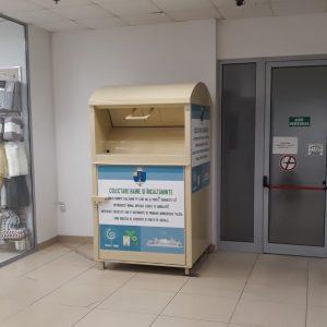 Zece containere pentru haine și încălțări, instalate în municipiu!