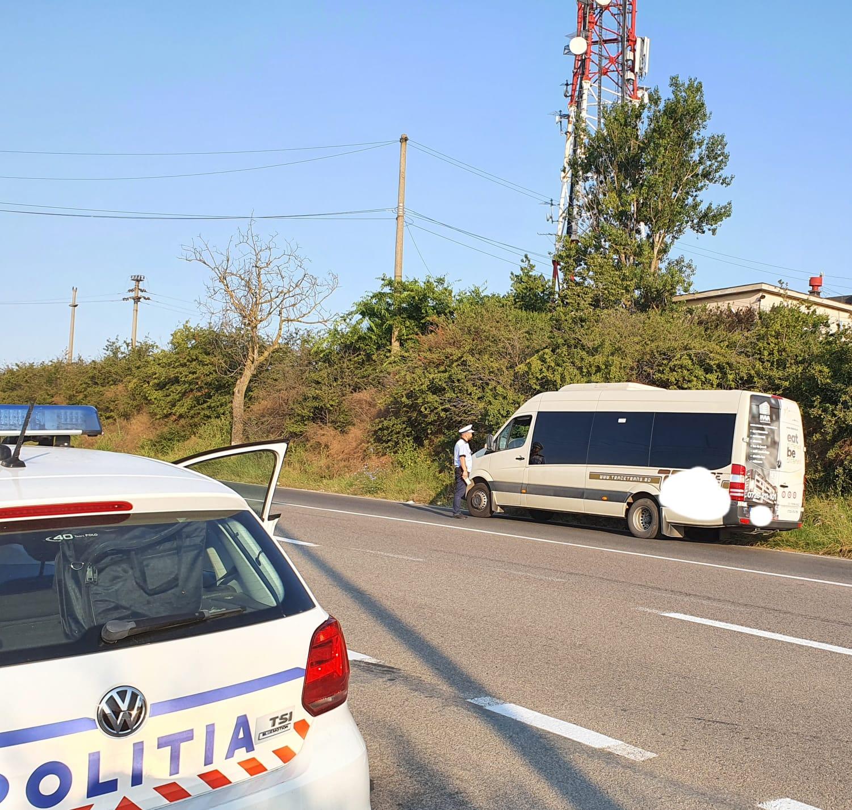 Șoferi de microbuze și tiruri prinși cu viteză pe șoselele din județ!