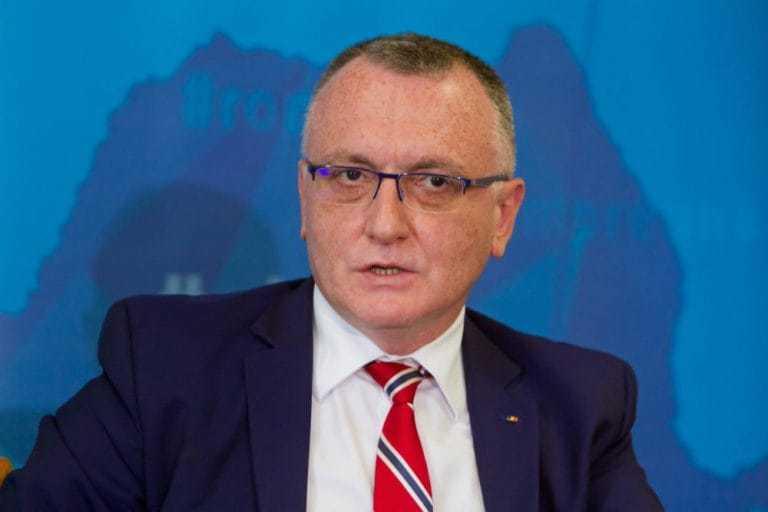 Ministrul Educației: este inacceptabilă începerea școlii online