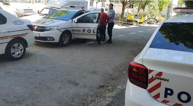 Bărbat bătut și tâlhărit în Babadag pentru un telefon