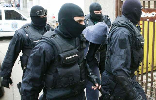 Patru tineri tulceni arestați pentru trafic cu etnobotanice