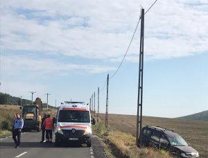 Mașină lovită de excavator, la ieșire din Babadag