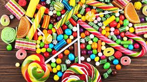 Doi din trei copii români mănâncă dulciuri zilnic, obicei alimentar total greșit, avertizează medicii!