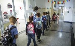 Ministrul Educației propune ca școlile să rămână deschise și peste pragul de infectare de 6 la mie