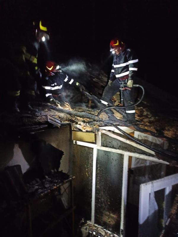 Incendiu la Somova! Bărbat găsit carbonizat, după ce a adormit cu țigara în mână