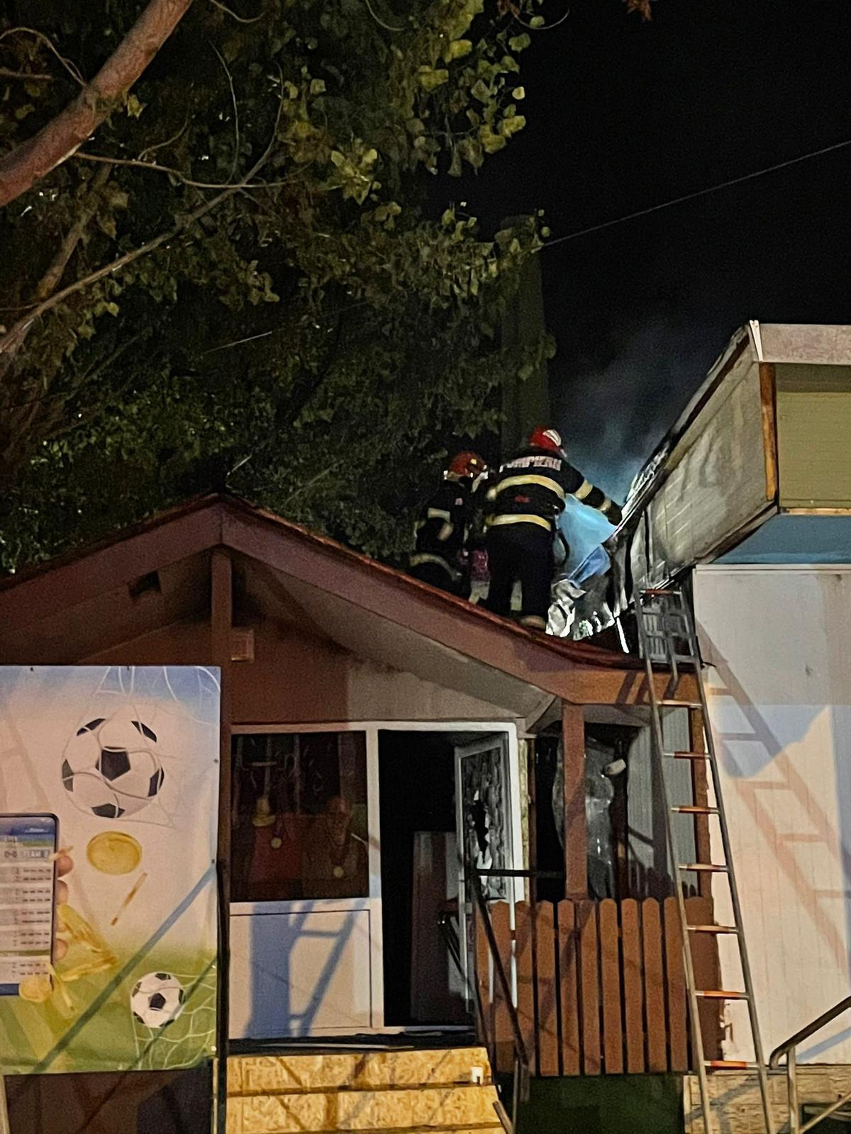 Bar incendiat de un cablu defect, în cartierul Dallas din municipiu