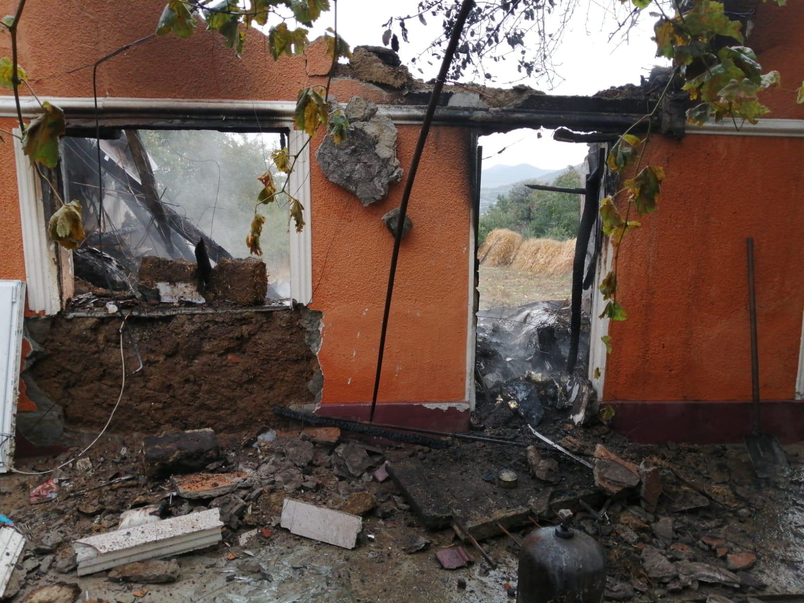 Explozie la Niculițel. Un bărbat a decedat în urma deflagrației