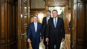 Desemnarea lui Dacian Cioloș ca premier, o lovitură de teatru din partea președintelui Klaus Iohannis?