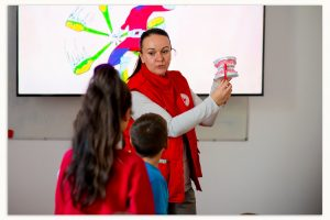Mii de elevi din satele din Tulcea vor beneficia de educație dentară