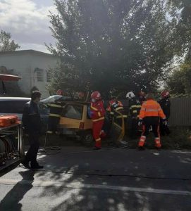 Grav accident rutier în Măcin! O victimă a avut nevoie de descarcerare!