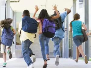 Marți, elevii și preșcolarii stau acasă! Este Ziua Educației, zi liberă legală pentru cadrele didactice!