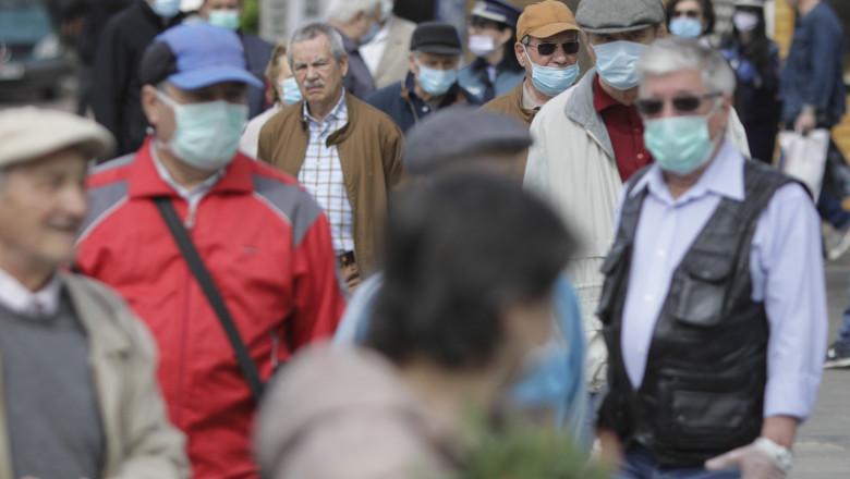 Masca redevine obligatorie pe stradă de astăzi, în localitățile cu rată de infectare mai mare de 6 la mie! Municipiul Tulcea a ajuns astăzi la rată de 5,35!