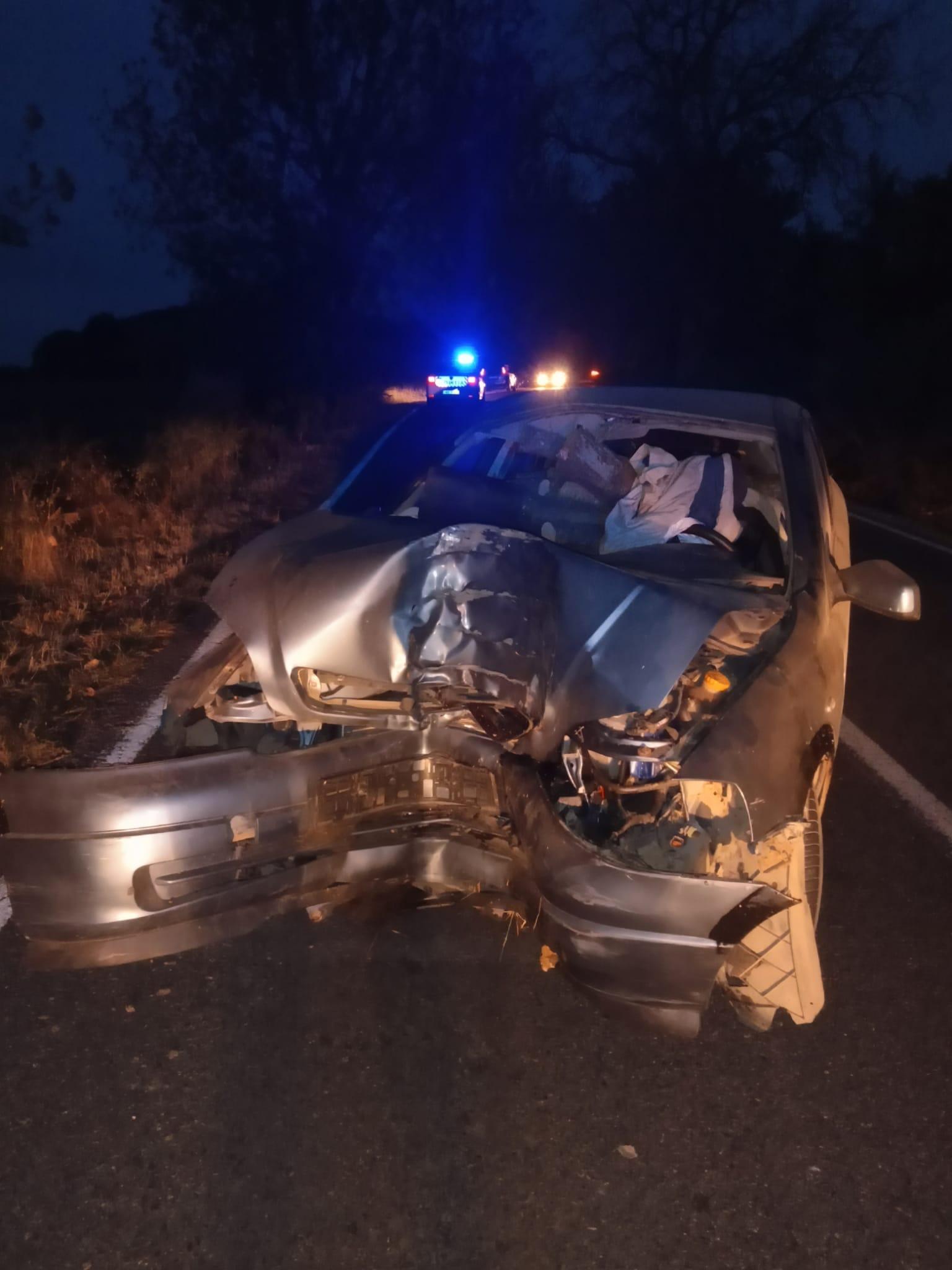 Fără permis, un localnic din Niculițel a condus… direct într-un copac